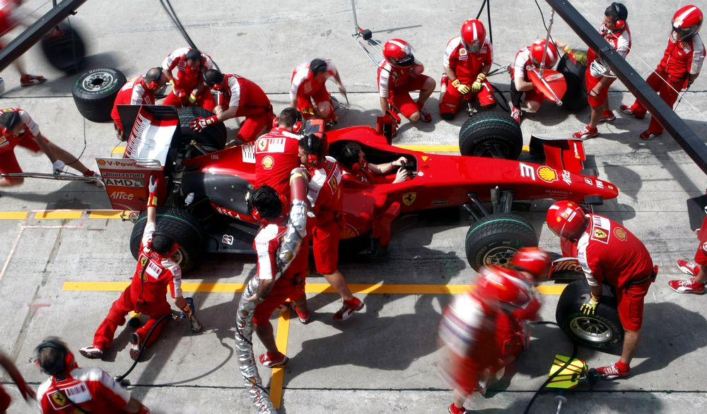 Ferrari practice a pit stop in 2009 when refuelling was last in use