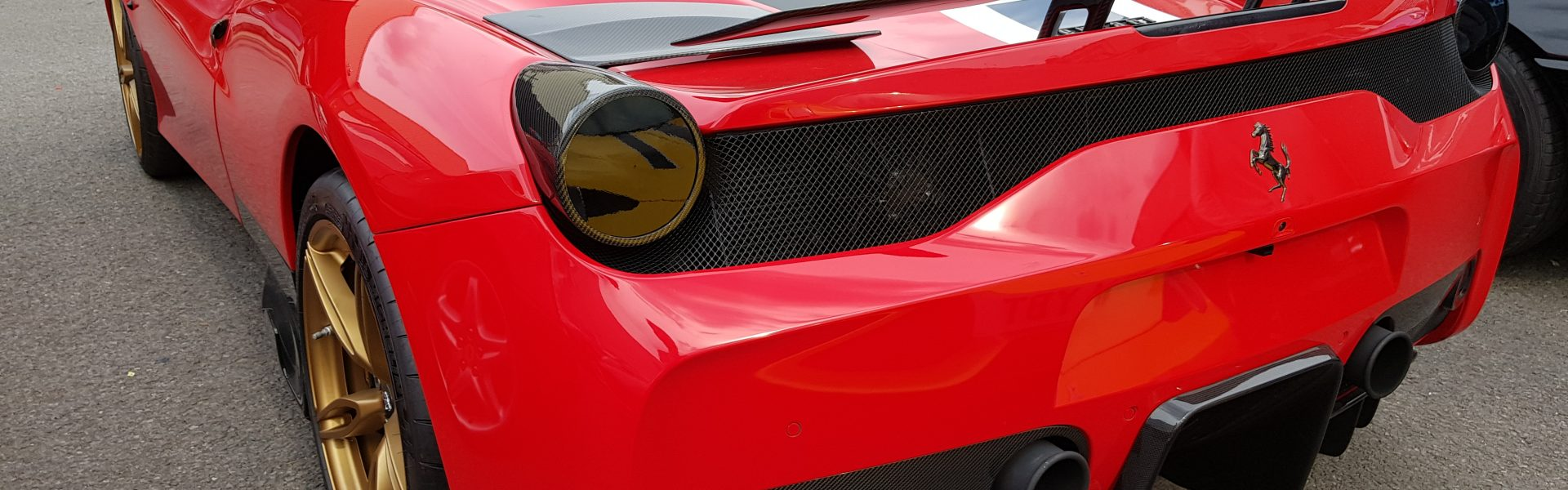 Ferrari 458 Speciale – Full Inconel exhaust, ECU tune and carbon fibre accessories