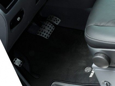 Brabus Velour Floor Mats Front for the Mercedes Benz Viano W639 1