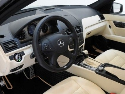 Brabus Dashboard in Leather / Alcantara for the Mercedes Benz C63 AMG & C-Class W/S/C 204 1