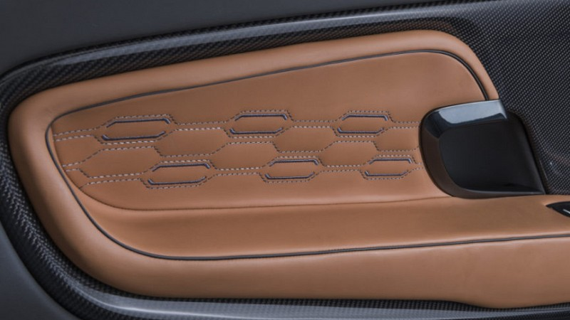 Startech Leather interior Image 4