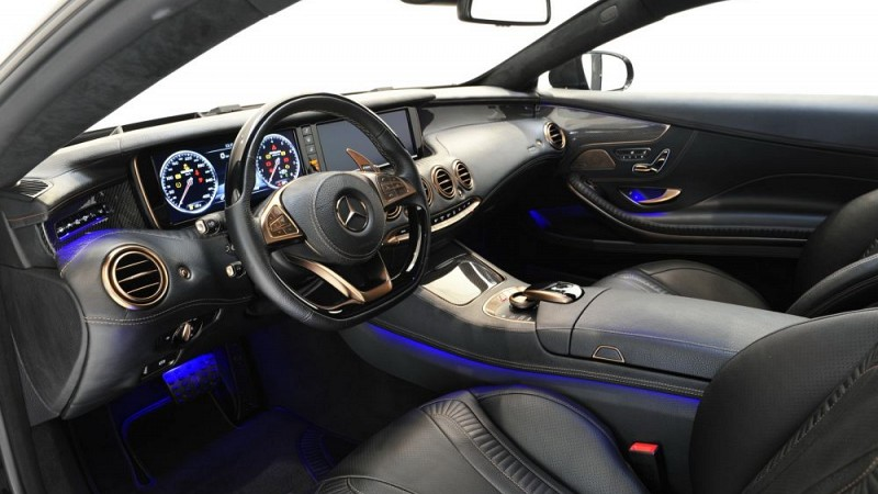 Dashboard (Leather/Alcantara) Image 5