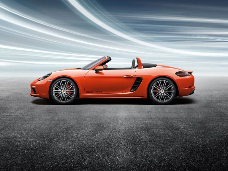 20-inch 911 Turbo summer wheel-and-tyre set Image C