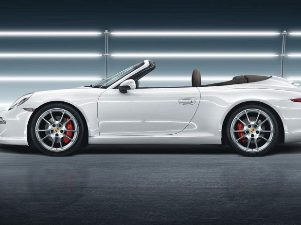 20-inch Carrera S winter wheel-and-tyre set Image C