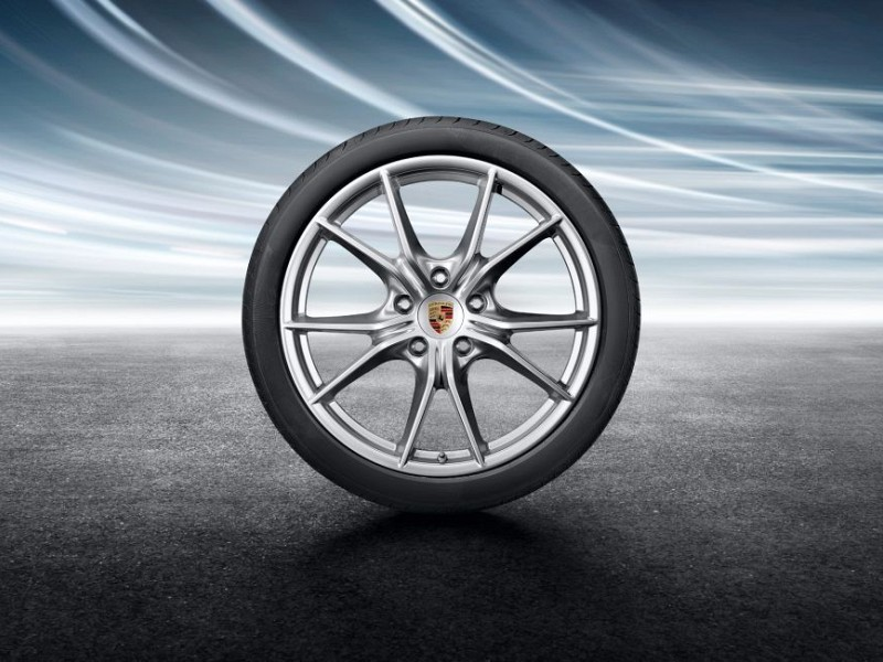 20-inch Carrera S summer wheel-and-tyre set Image B
