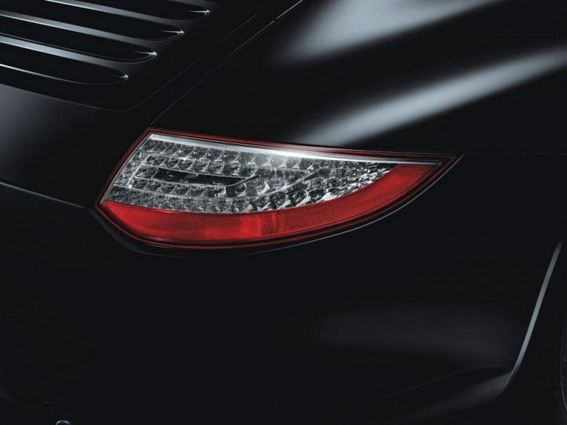 Tail lights in clear glass look Image B